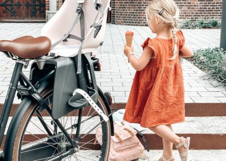 ijsje eten op de fiets Urban Iki